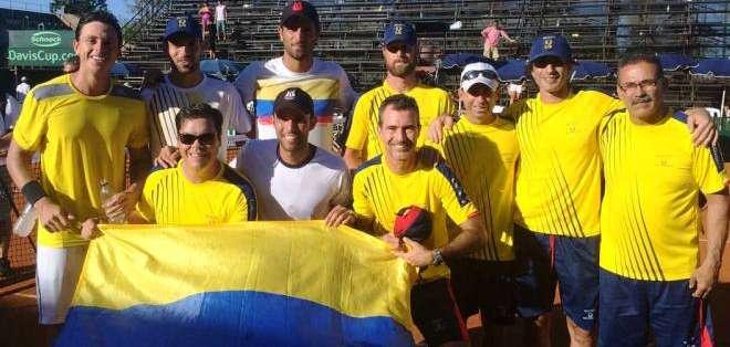 El equipo colombiano de Copa Davis que clasificó al repechaje por el Grupo Mundial (Foto: Fedecoltenis.com)