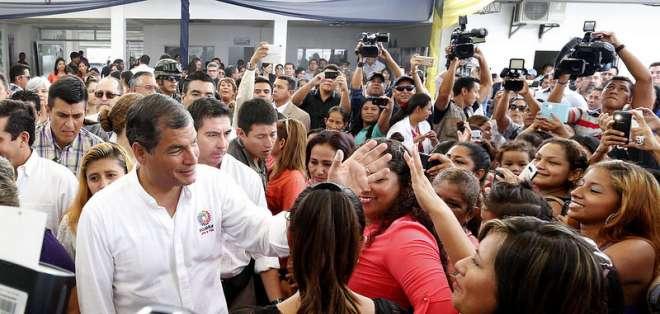 GUAYAQUIL, Ecuador.- Como parte de su agenda en la ciudad, el presidente inauguró una casa de acogida para jóvenes. Foto: Presidencia de la República
