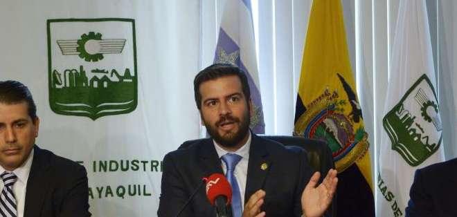 Pablo Arosemena, dijo que esta medida no es indispensable para fortalecer la dolarización y por el contrario encarecerá los productos. Foto: API.