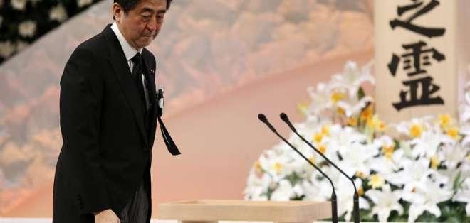 JAPÓN. A lo largo de todo el país se celebraron emotivos actos en recuerdo a las más de 18.000 víctimas que causó la tragedia, la más grave que ha azotado a Japón desde la II Guerra Mundial. Fotos: EFE