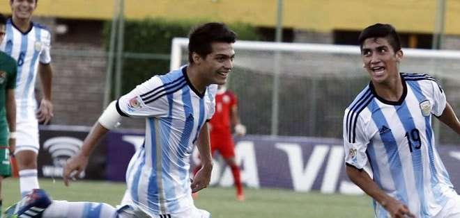 Los jugadores de la selección argentina de fútbol celebrando un gol (Foto: Conmebol.com)