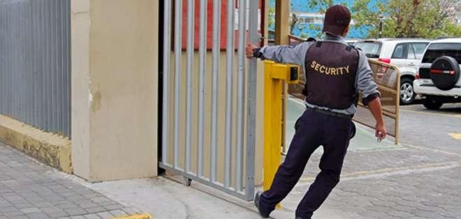 ECUADOR.- En la actualidad, la mayoría de establecimientos de cuatro estrellas hacia abajo no cuenta con seguridad privada. Foto: Archivo