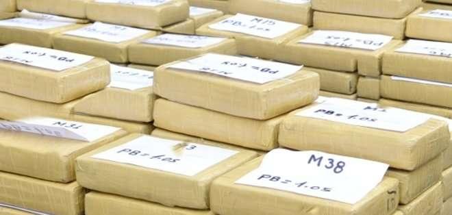"""Entre los 35 detenidos figuran """"dos miembros de la Policía Nacional de Perú que habían introducido la droga en el aeropuerto"""" de Lima. Fotos: ARCHIVO"""