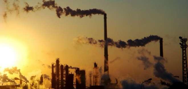 Las emisiones mundiales de dióxido de carbono alcanzaron los 32.300 millones de toneladas en 2014.