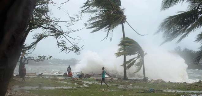VANUATU.- El paso de Pam por el archipiélago de Vanuatu golpeó duramente Port Vila, y causó inundaciones graves. Fotos: AFP