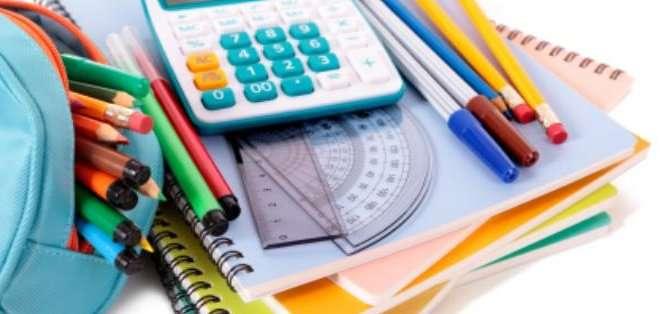 Los útiles escolares que fueron importados a partir de la semana pasada llegarán al país con la sobretasa del 15% y el 45%.