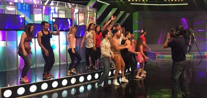 El escenario es la nueva casa de los bailarines y cantantes Yingo.