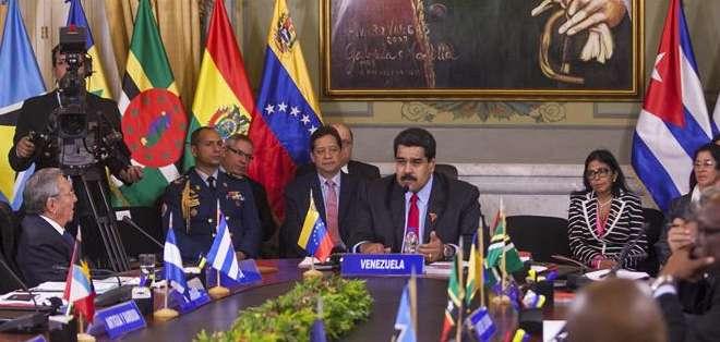VENEZUELA. La declaración final de la cumbre, leída por el presidente venezolano, Nicolás Maduro, al término del encuentro, acordó la creación de ese grupo de ALBA, Celac, Unasur y Caricom. Fotos: EFE