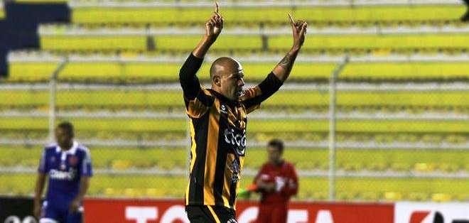 Germán Centurión, y la celebración de su gol (Foto: EFE)