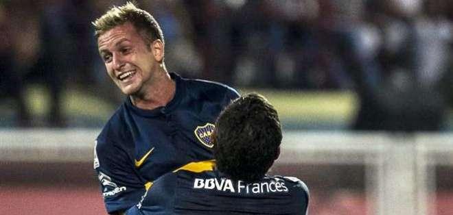 Nicolás Colazo, jugador de Boca, celebra una de las anotaciones (Foto: EFE)