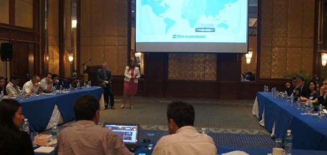 GUAYAQUIL.- La inauguración de la reunión se hizo esta mañana. Los invitados repasaron la trayectoria del canal anfitrión: Ecuavisa, que este mes celebra 48 años.