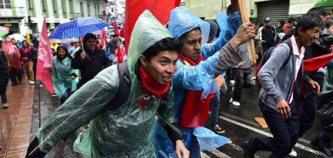 Los manifestantes se concentraron inicialmente en el parque de El Ejido. Foto: AFP