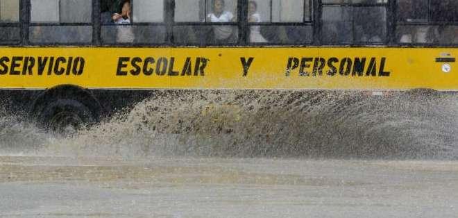 Según los pronósticos, este será el aguaje de mayor impacto en Guayaquil. Foto referencial de API.