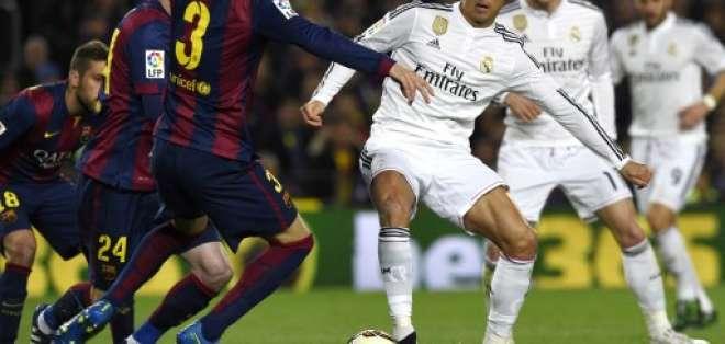 Jeremy Mathieu y Luis Suárez marcaron los goles para el Barcelona. Ronaldo descontó para el Madrid.