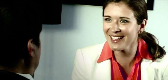 """CHILE.- La producción chilena muestra a una """"Anastasia Steele""""  que no se deja tratar como un objeto sexual. Fotos: Web. Capture Youtube."""