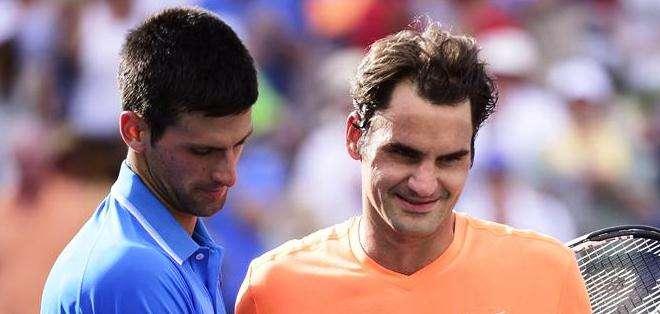 'Nole' y Federer al final del encuentro (Foto: EFE)