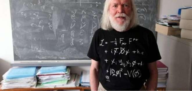 John Ellis se confiesa un apasionado de la supersimetría.
