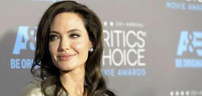 Hace dos años, Jolie, de 39 años, se sometió a una doble mastectomía.