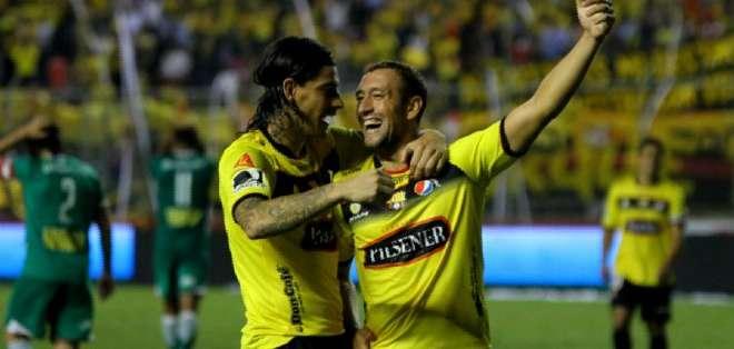 Alemán y Blanco brillaron con dos goles cada uno. Foto: API.