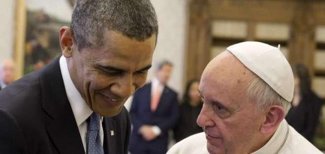 Papa Francisco durante un encuentro con el presidente Obama. Foto: AFP