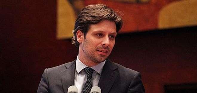 QUITO.- Long estuvo dos años designado como ministro de Talento Humano.  Foto: Twitter Ministerio de Cultura