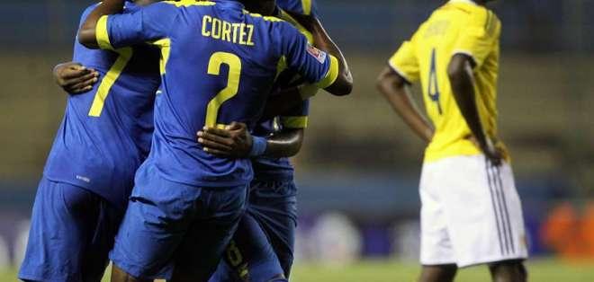 """La """"Tri"""" festeja su victoria en el Sub 17. Foto: EFE."""