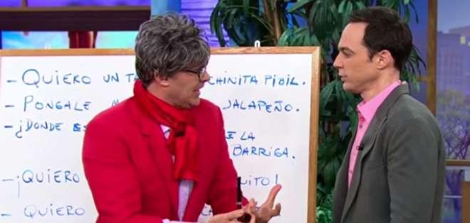 El actor de 42 años sorprendió al expresarse claramente y sin problemas en español. Foto: Captura de pantalla