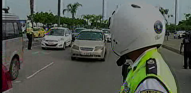 GUAYAQUIL.- Los conductores de vehículos impugnan el pago de multas por infracciones de exceso de velocidad. Fotos: Captura.