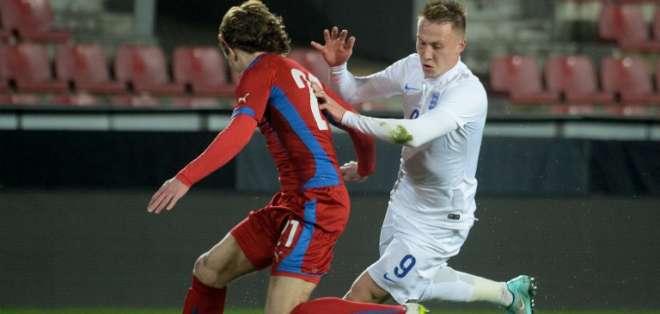 Los goles ingleses fueron anotados por Rooney, Welbeck, Sterling y Kane.