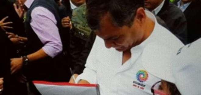 QUITO.- El gobernante abrió su habitual informe de labores con el apoyo al país suramericano. Fotos: Web
