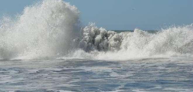 El INOCAR recomendó preocupación a quienes realicen actividades en el mar y zonas adyacentes, por oleaje de altura mayor al promedio.