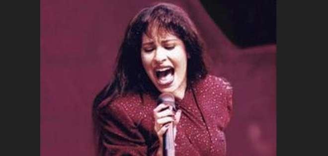 Selena fue asesinada el 31 de marzo de 1995 por la presidenta de su club de fans.