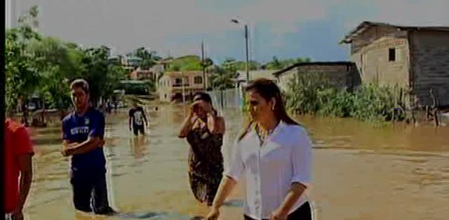 GUAYAS.- Alrededor de mil 200 personas están afectadas por el desbordamiento del río. Fotos: Captura
