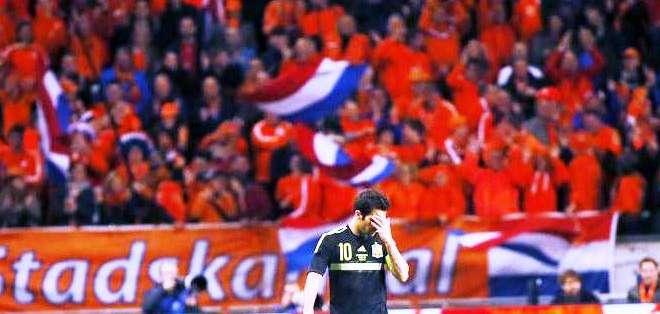 El centrocampista de la selección española Cesc Fàbregas, durante el partido amistoso que España y Holanda (Foto: EFE)
