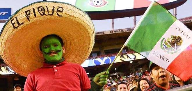 El color de la afición mexicana en el estadio (Foto: EFE)