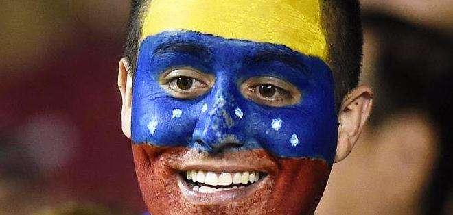 El aficionado venezolano en el estadio norteamericano (Foto: EFE)