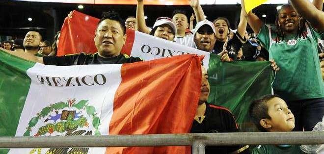 Los mexicanos mayoría en el estadio (Foto: EFE)