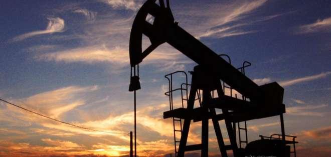 """El precio del barril de """"light sweet crude"""" (WTI) para entrega en mayo ganó 2,49 dólares."""