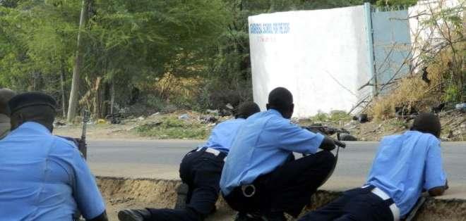"""KENIA.- Los """"muyahidines tomaron a profesores y estudiantes no musulmanes"""" para retenerlos como rehenes. Fotos: redes sociales"""