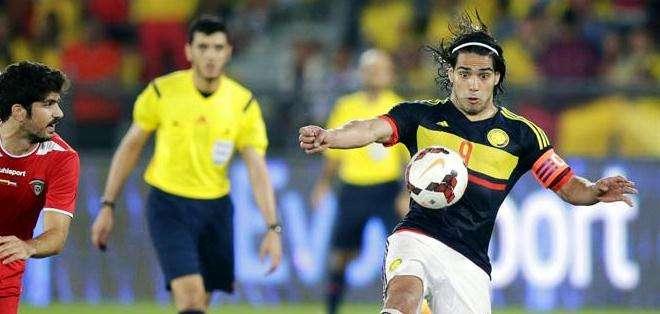 Falcao dominando el balón en un partido amistoso de la selección colombiana (Foto: EFE)