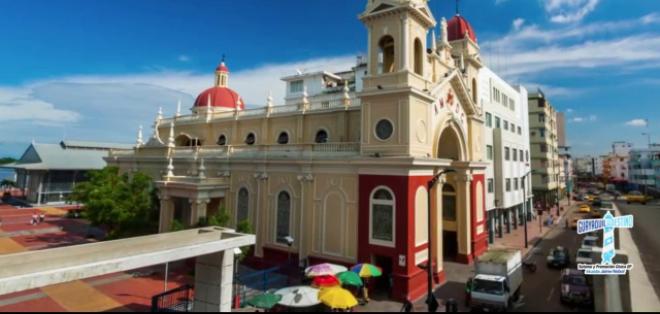ECUADOR, Guayaquil.- Una de las principales actividades que puede hacer es el recorrido de las Siete iglesias.