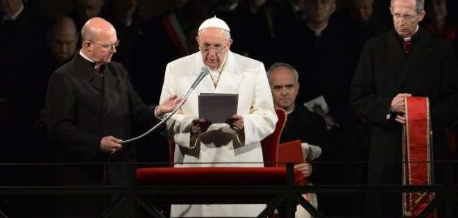 El Papa Francisco presidió hoy el Vía Crucis en el Coliseo de Roma.