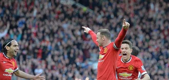 GRAN BRETAÑA.- Dos tantos del español Ander Herrera y uno del inglés Wayne Rooney le dieron al cuadro inglés. Fotos: EFE