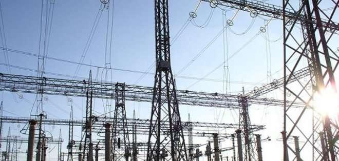 ECUADOR. El nuevo modelo se dirigirá a la instalación de energías renovables (sobre todo fotovoltaica) y a la gestión de los consumos, tanto industriales como residenciales. Fotos: referenciales.
