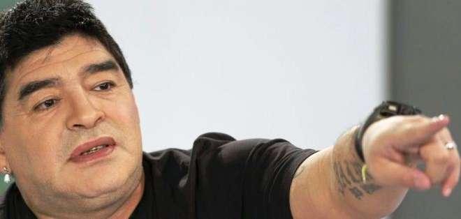 Diego Armando Maradona estará en una exhibición en Bogotá (Foto: Internet)