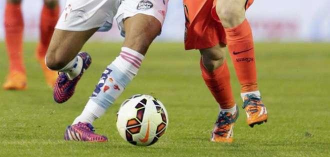 El jugador habría vuelto a sus zapatos anteriores. Foto: EFE.