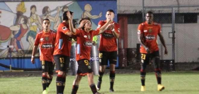 """Los """"Morlacos"""" deben buscar otro DT, tras la salida de Vélez. Foto: API."""
