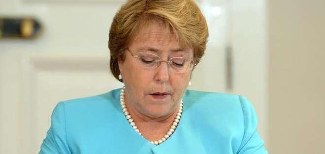 """CHILE.- """"A mí no me interesa mi nivel de popularidad, me interesa Chile"""", refutó la presidenta de ese país. Foto: EFE"""