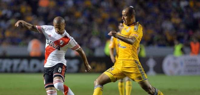 River Plate y Tigre empataron esta noche 2-2 en el estadio Universitario de Nuevo León. Foto: EFE