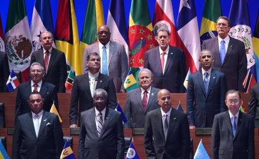 PANAMÁ.- El secretario general de la OEA saludó el acercamiento entre Cuba y Estados Unidos. Fotos: AFP y EFE